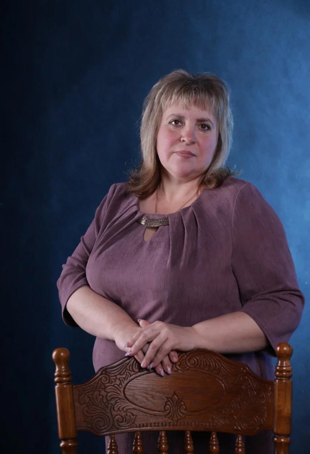 Толстова Елена Александровна